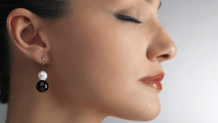 Правильно и без боли. Как проколоть уши в домашних условиях?