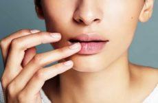 Обветривание кожи губ — как решить проблему?