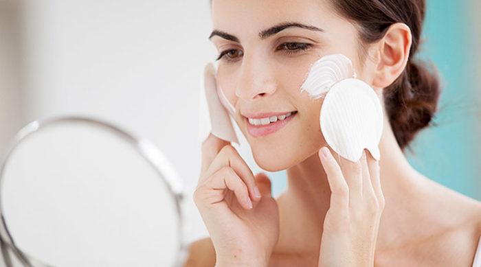 Чем матировать жирную кожу лица